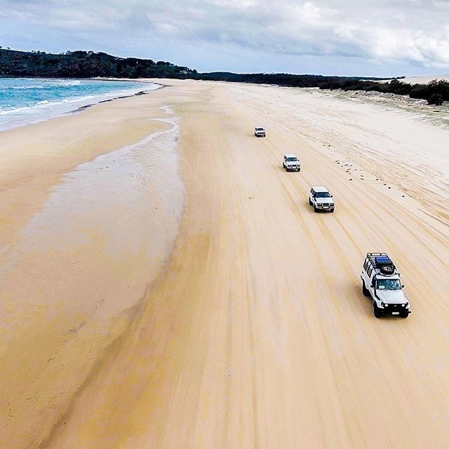 Drive around Fraser Island safely on a guided group tour