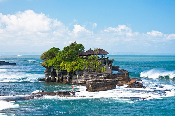 DAY   TEMPLES AND CANGGU
