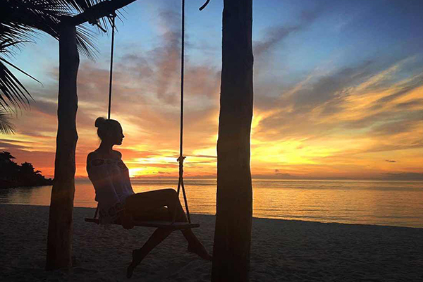 DAY 10  SUN, SAND, SEA & COCONUTS