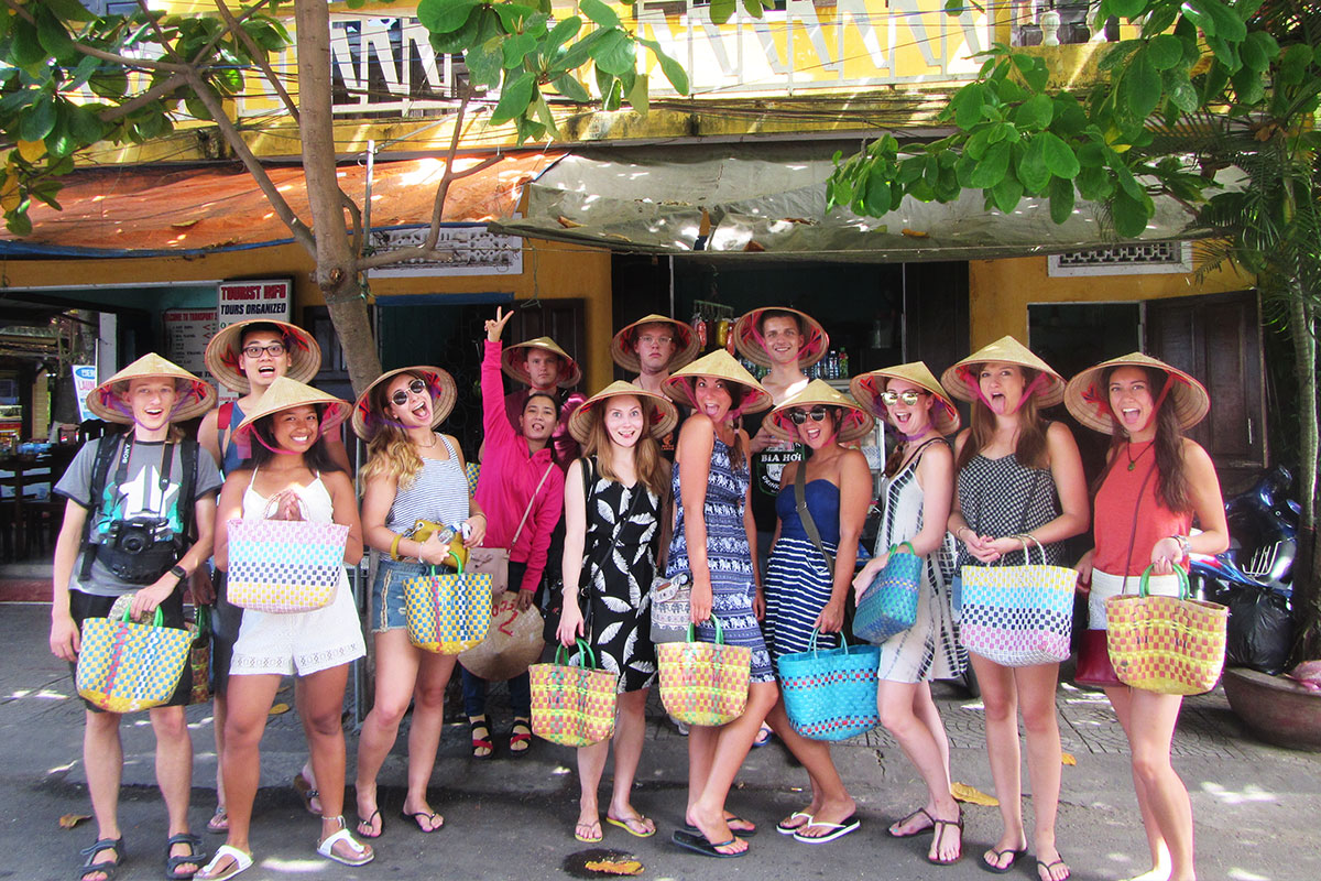 DAY 7 – 8 HOI AN & COOKING CLASS