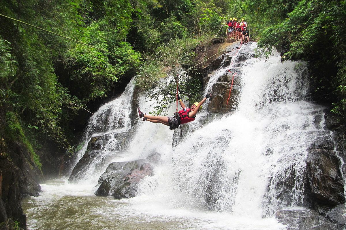 DAY 10 – 11 CANYONING AND WATERFALLS