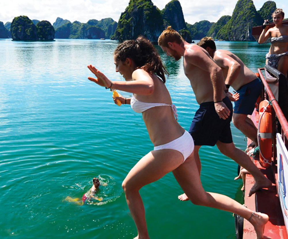 Ultimate-Vietnam-Halong-Bay