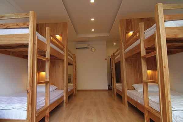 Vietnam-Group-Tour-Hostels
